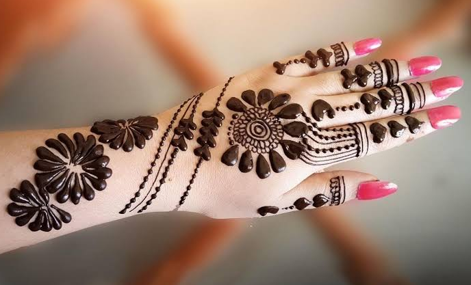 best New Year Mehndi designs 2019