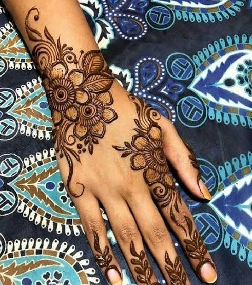 New Year Mehndi designs 2019 floral
